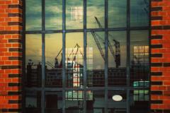 Fensterspiegelung im Hamburger Hafen