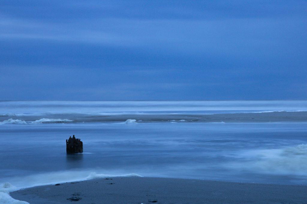 Langzeitbelichtung vom Meer und Strand in St. Peter Ording